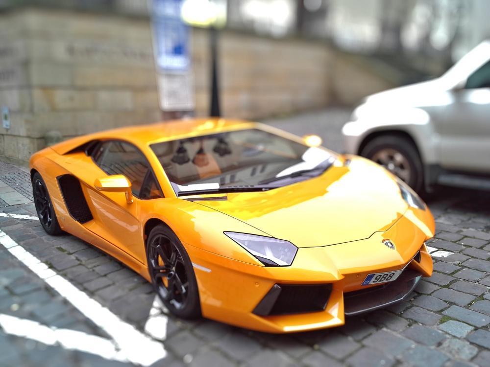 sportauto-vezetes-ajandekba