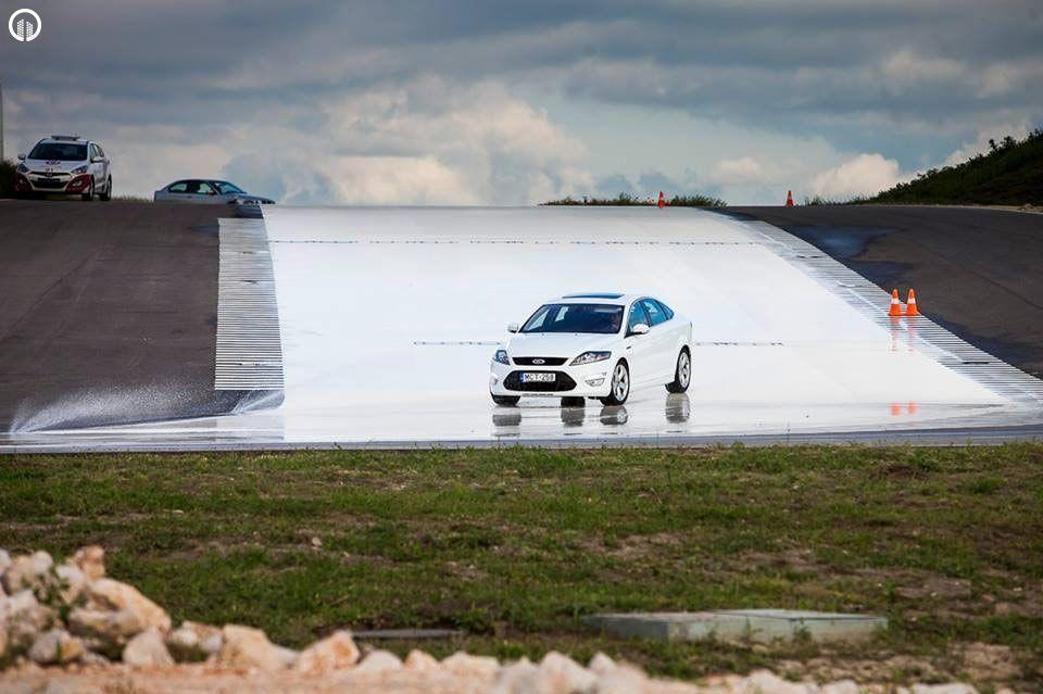 Autós Vezetéstechnikai Kompakt Tréning - Saját Autóval - 2.