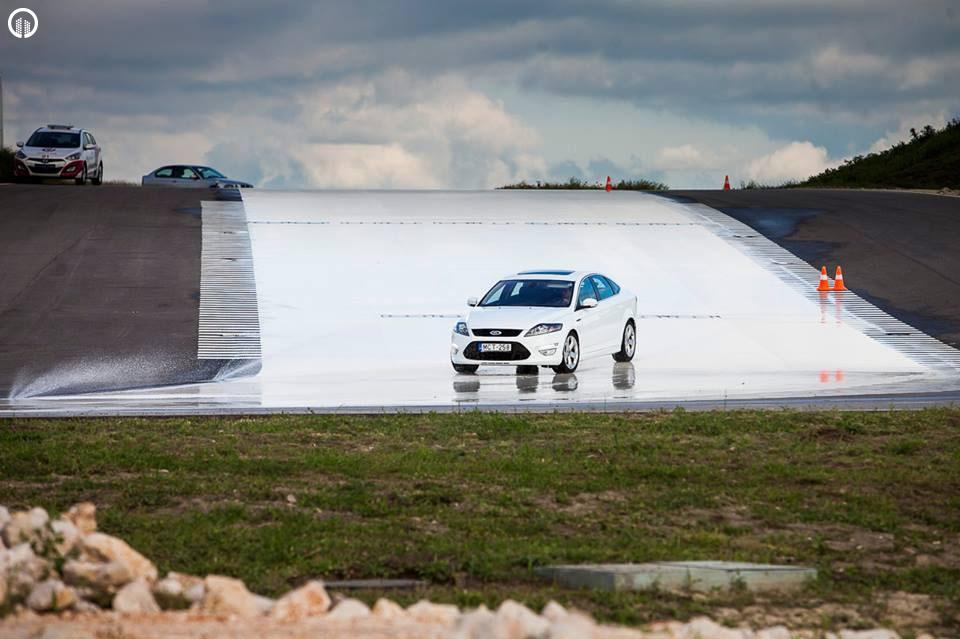 Autós Vezetéstechnikai Standard Tréning - Saját Autóval - 1.