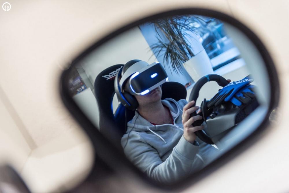 Versenyautó Szimulátor Vezetés VR Szemüveggel   A Virtuális Valóság Élménye - 1.