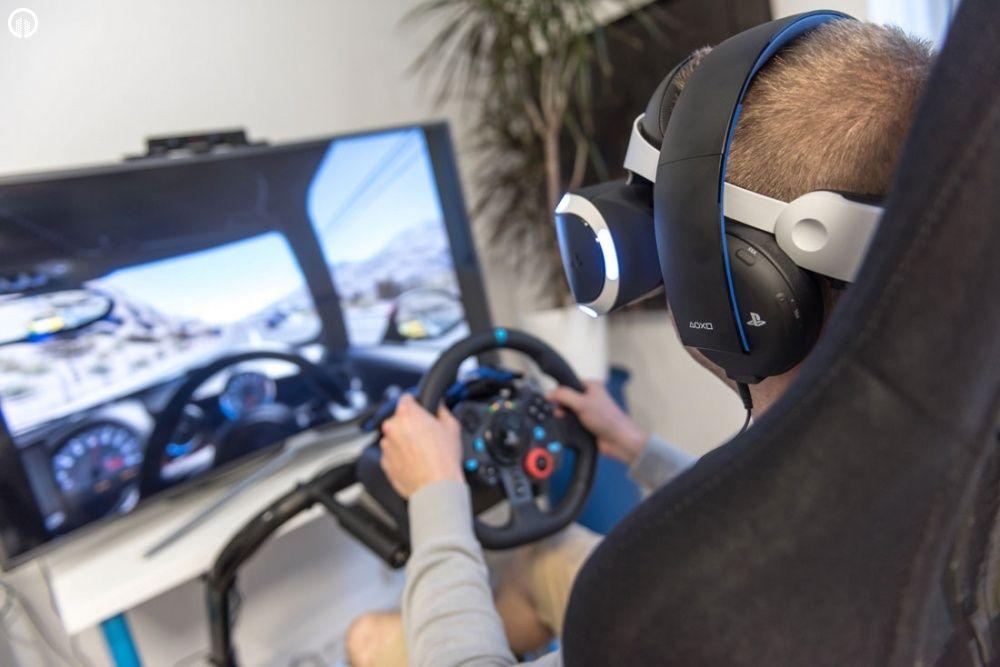 Versenyautó Szimulátor Vezetés VR Szemüveggel   A Virtuális Valóság Élménye - 2.