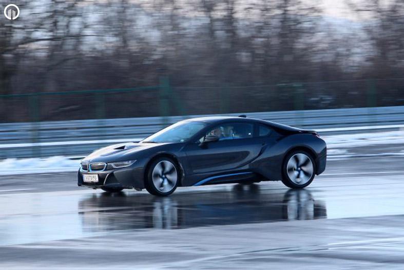 BMW i8 Élményvezetés Forgalomban | Prémium csomag - 1.