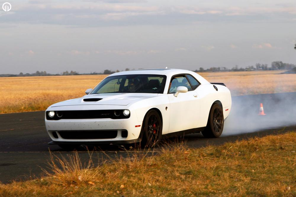 V8 Legendák  | Dodge Challenger és Ford Mustang Vezetés - 1.