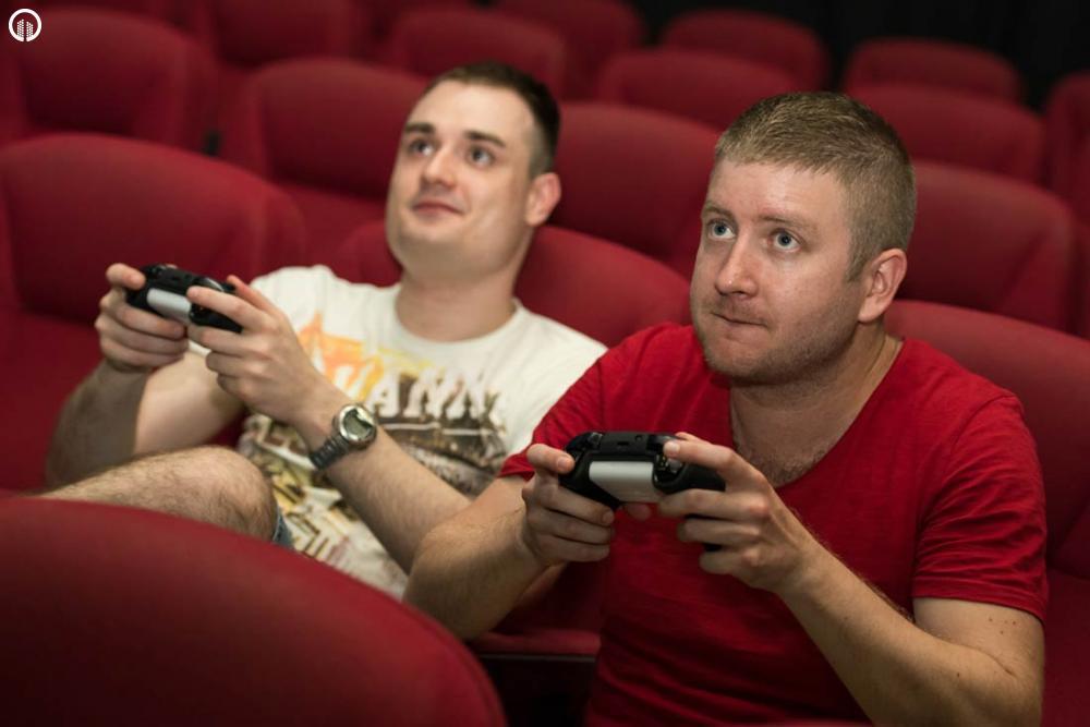 XBox vagy Playstation Konzol Játéklehetőség Saját Moziteremben | 1 óra - 2.