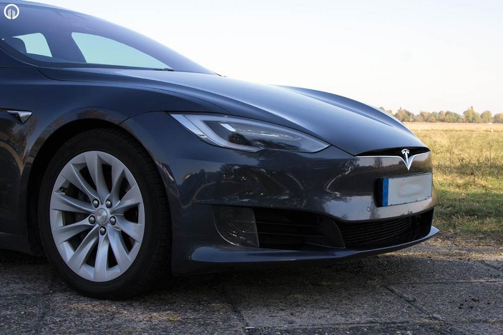 Tesla Model S 85D Elektromos SzuperSportautó Vezetés a DRXRingen - 1.