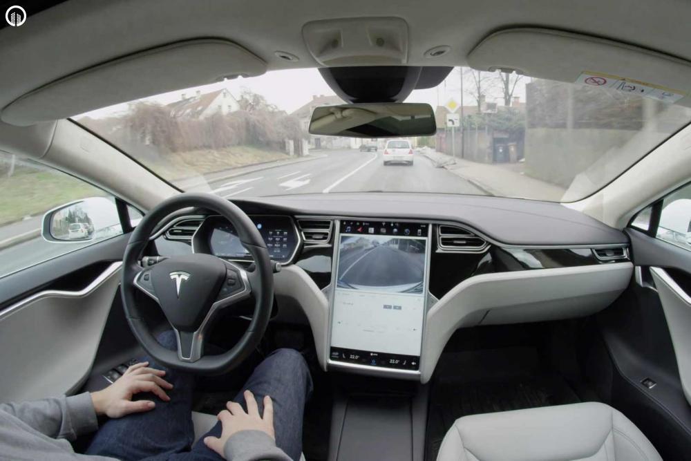 Tesla Élményvezetés Forgalomban | Autopilot Üzemmóddal - 2.