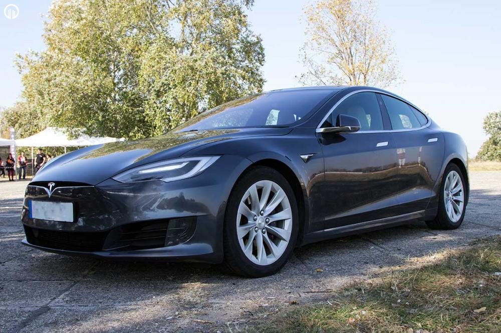 Tesla Model S 85D Elektromos SzuperSportautó Vezetés a DRXRingen - 3.
